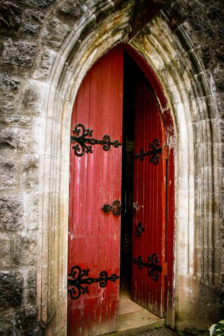 Welcoming Visitors to our Churches: What works and what gets in the way?